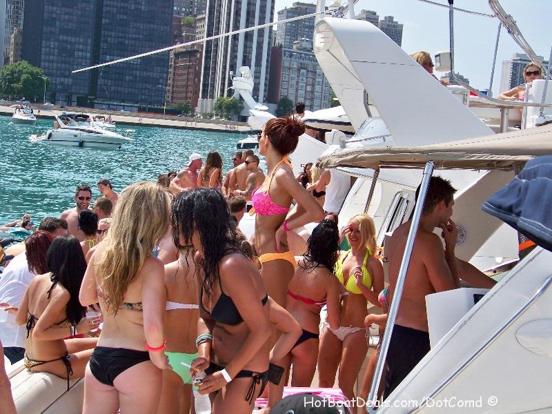 Here are my pictures from the 4th of July 2012 in the Chicago Playpen.  We were tied up to the Surreal boat which was listing when we got there due to having so many people on board.   WOW what a sound system they have!  You go Brian!!!