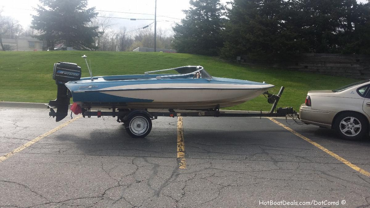 This boat I purchased so that I could template the seats of a Glastron Carlson CV16 to duplicate the size, height, and dimensions of the stock seats in a Glastron Carlson CV16 boat.   I already had another cv16 and a GT 150 but the one I had came with no seats and the GT150 was just different enough so that it wouldn't fit.  So this puts me up to 4 boats currently...