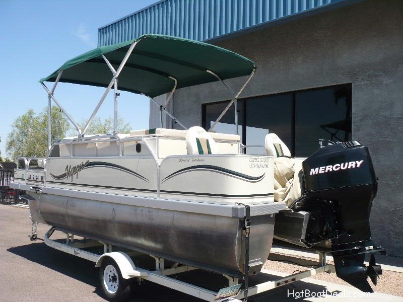 2006 Used Voyager Pontoon Sport Deluxe Fish