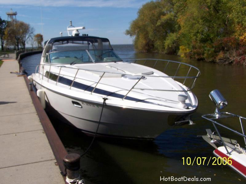 My mistress a 1998 bayliner avanti 4085
